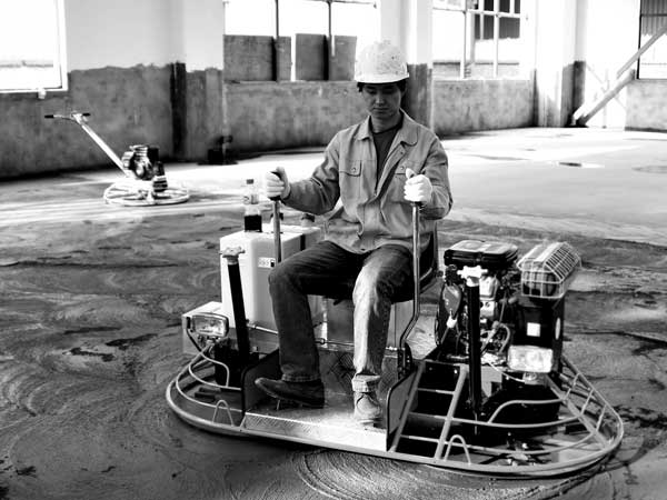 Concrete trowel powered with a Vanguard commercial engine